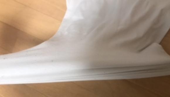 加圧シャツの生地が伸びる伸びる